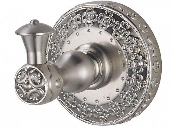 Бронзовые и серебряные аксессуары для ванной – не только практичность и функциональность