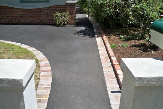 Дорожка из бетона для любого ландшафта