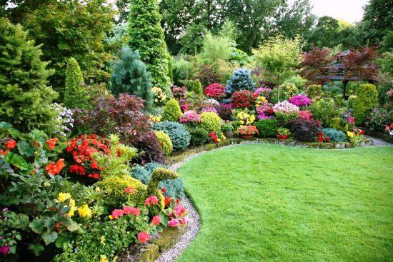 Использование пейзажного стиля в устройстве сада