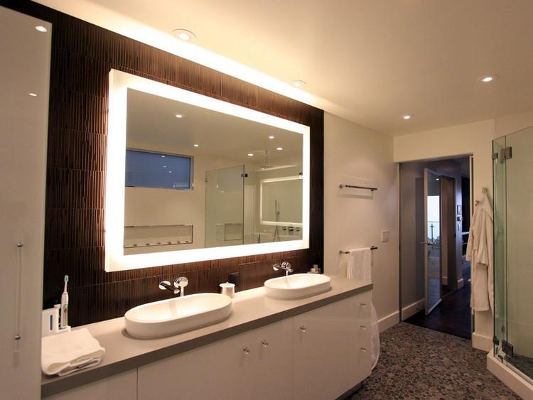 Выбираем достойное зеркало для ванной комнаты