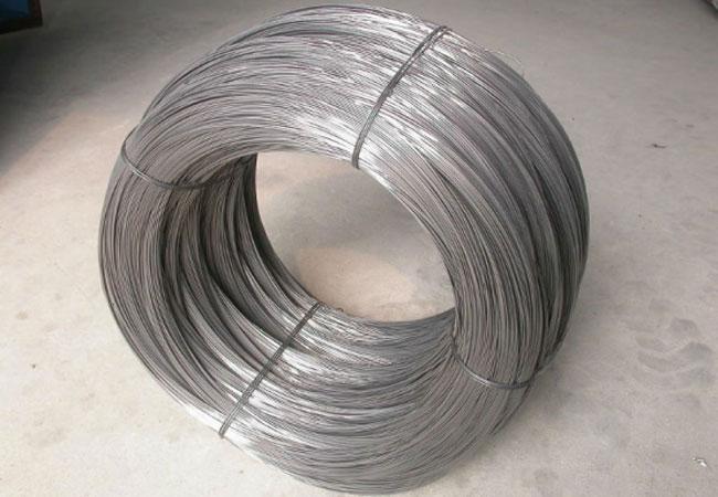 Проволока стальная колючая